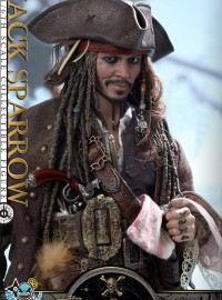 HOT TOYS PIRATES OF THE CARIBBEAN DEAD MEN TELL NO TALES 神鬼奇航 5 死無對證 - JACK SPARROW 傑克史派羅(JOHNNY DEPP 強尼戴普飾演)-05