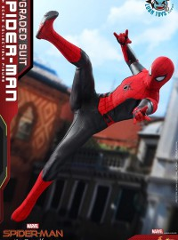 HOT TOYS MARVEL SPIDER-MAN FAR FROM HOME 蜘蛛人 離家日 – PETER PARKER 彼得帕克(TOM HOLLAN 湯姆霍蘭德飾演)(UPGRADED SUIT 升級戰衣版Ver.)-05